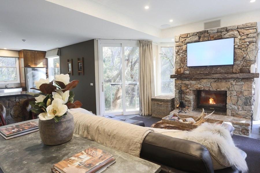 Rockpool Lodge, Thredbo - 2 bedroom & loft chalet