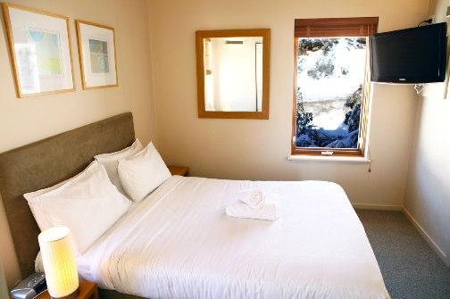 Schnapps 5, Hotham - Bedroom