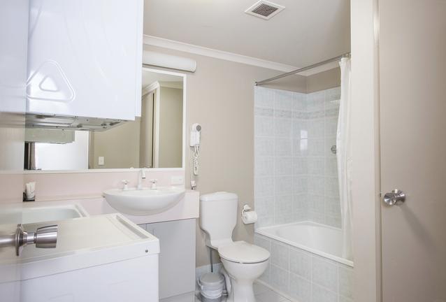 Horizons 114, Jindabyne - Bathroom