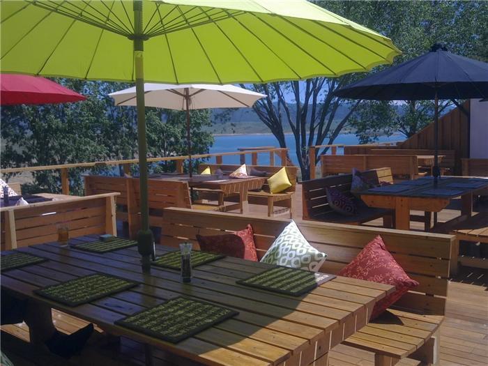 Siesta Villa, Jindabyne - Deck with Lake Views