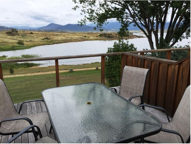 Siesta Villa, Jindabyne -  Deluxe Spa Room View