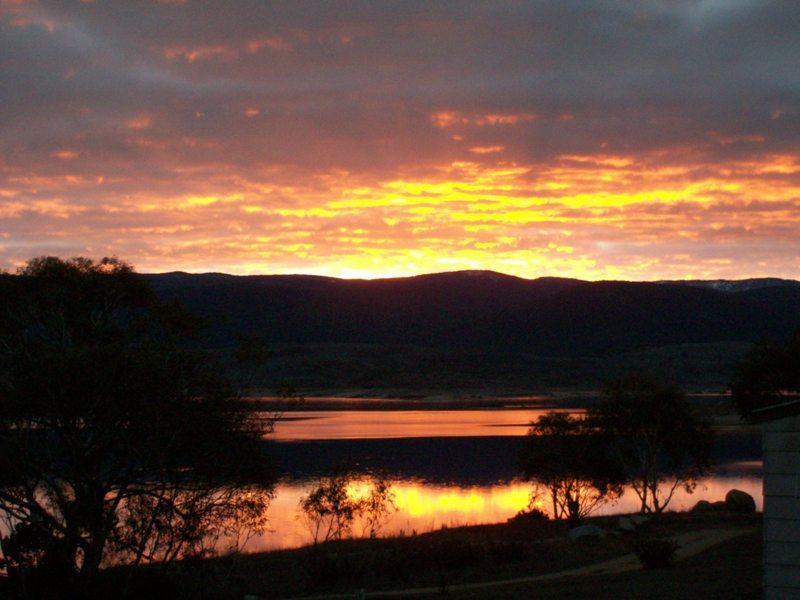 Siesta Villa, Jindabyne - Sunsets