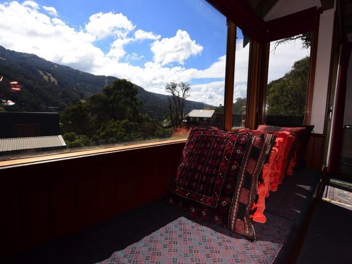 Silvergums, Thredbo - Window Seat