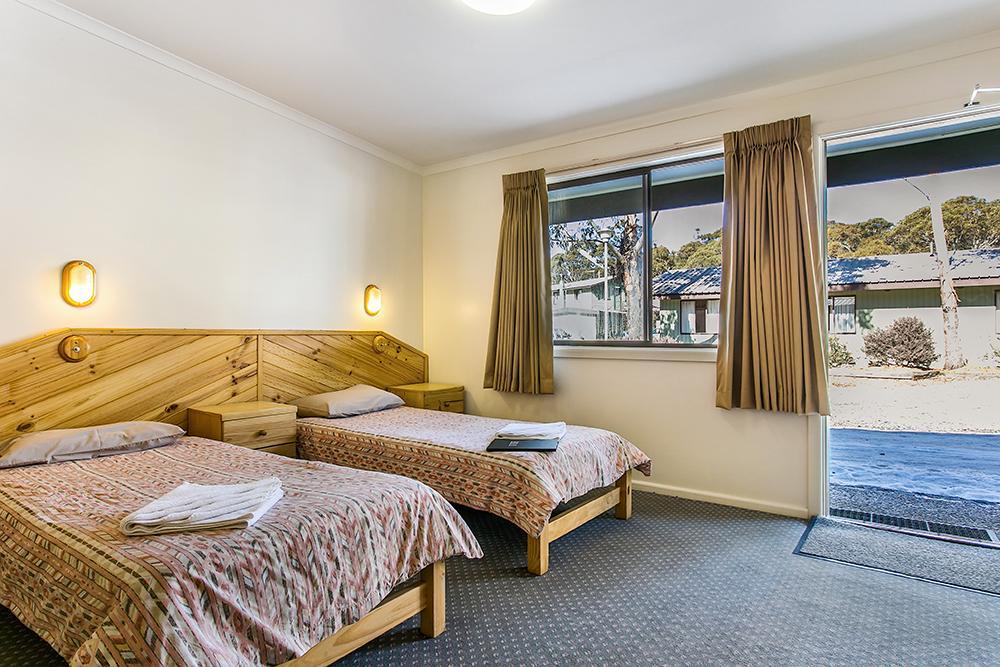 Ski Rider Hotel - Triple Share Room