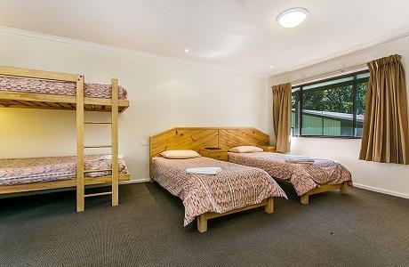 Ski Rider Hotel - Four Share Room
