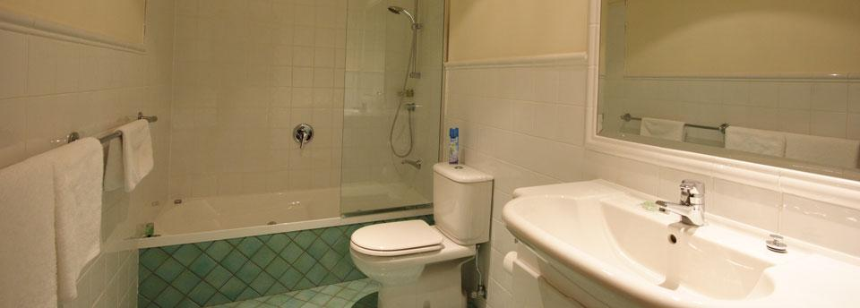 Ski In Ski Out, 3 Bed Superior - Bathroom 1