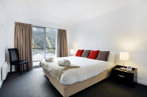 Snowgoose 1 Bedroom Apartment, Thredbo - Bedroom