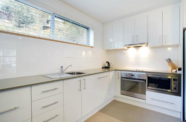 Snowgoose 1 Bedroom Apartment, Thredbo - Kitchen