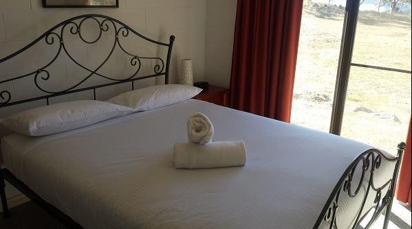 Snowridge 10, Jindabyne - Bedroom