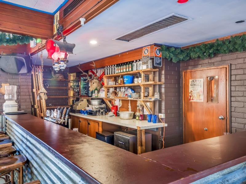 Snowy Valley, Jindabyne - Bar