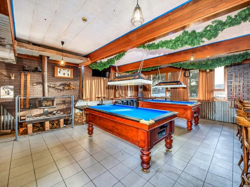 Snowy Valley, Jindabyne - Pool Table