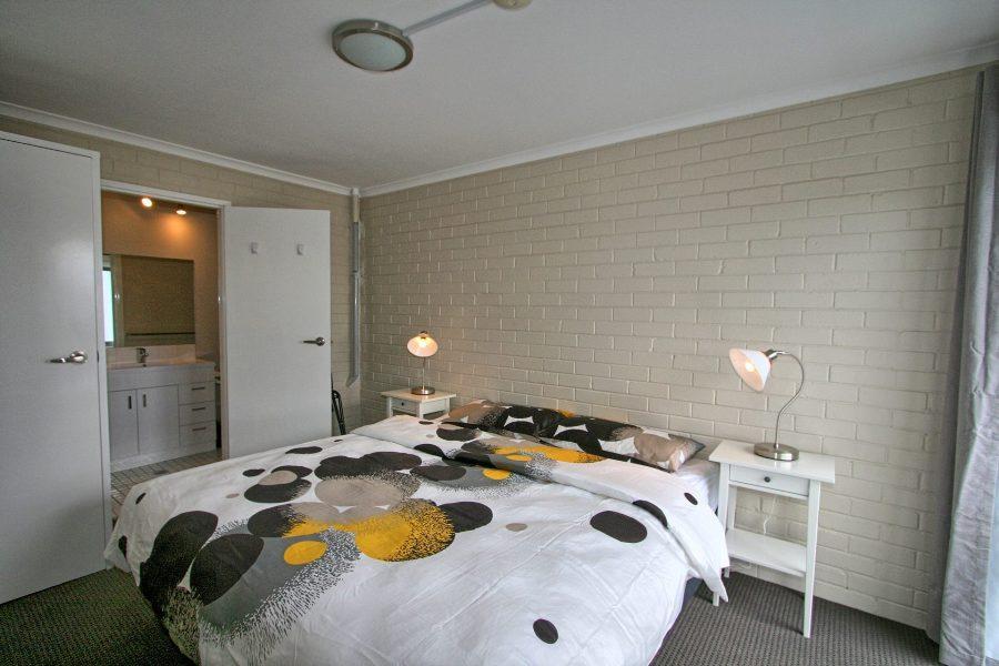 Summit 12, Jindabyne - Bedroom 1
