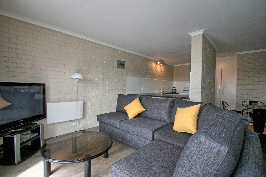 Summit 12, Jindabyne - Lounge Room