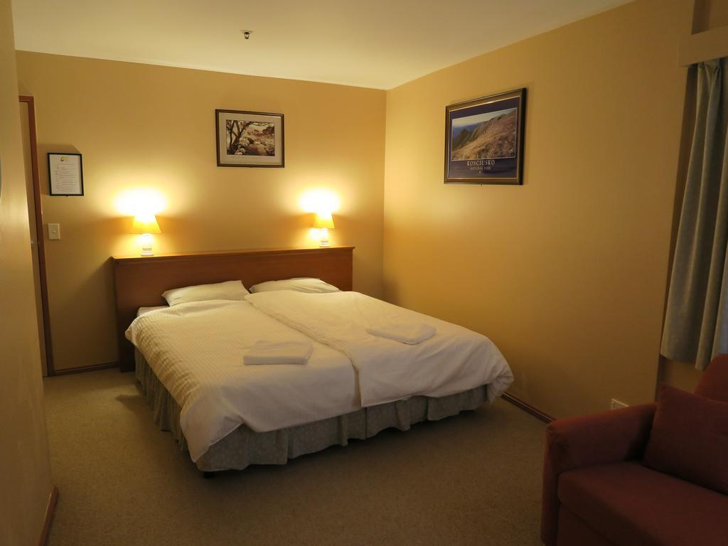 Sundeck Hotel. Perisher - Guest Room