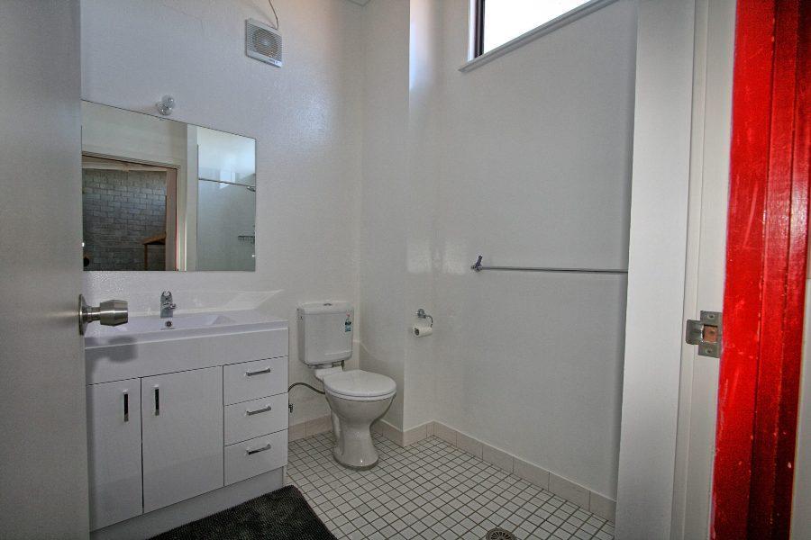 Tanderra 18, Jindabyne - Bathroom
