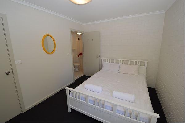 Tanderra 2, Jindabyne - Bedroom
