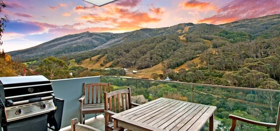 Peak Apartment 4, Thredbo - Balcony Views & BBQ