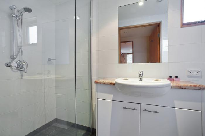 Akuna Chalet 1, Thredbo - Bathroom