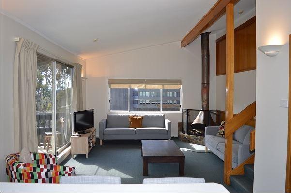 Tombarra 4B 2 Bedroom, Thredbo - Lounge