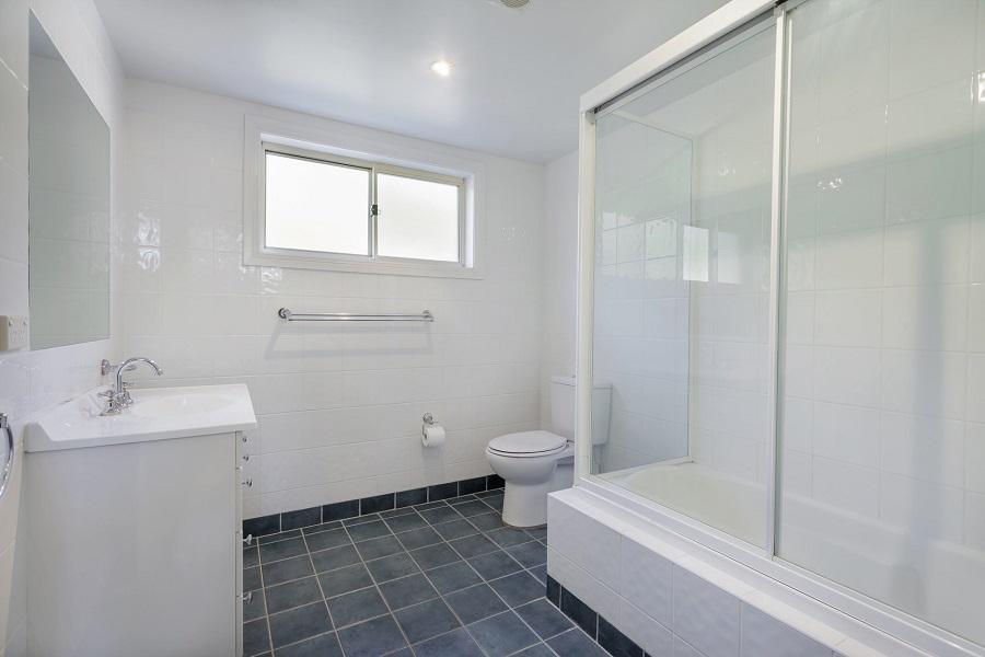 Torino 2, Jindabyne - Bathroom