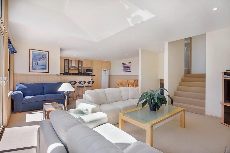 Torino 2, Jindabyne - Living Room