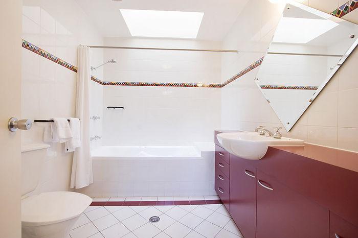 Village Green, Thredbo - Bathroom