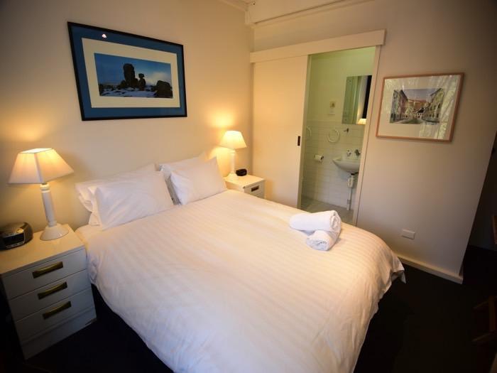 Warrina 9, Thredbo - Bedroom