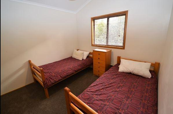 Whispering Pines 2, Jindabyne - Bedroom 2