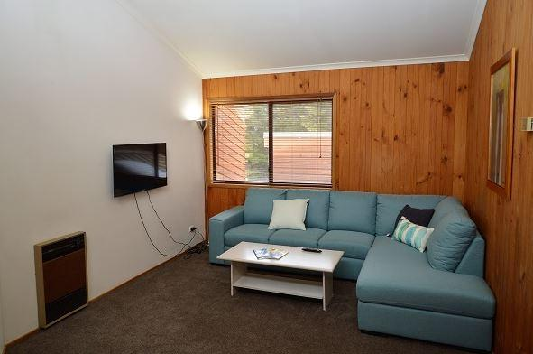 Whispering Pines 2, Jindabyne - Lounge Room