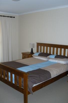 Winterwood, East Jindabyne - Bedroom
