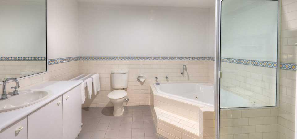 Aspect 4, Thredbo - Bathroom