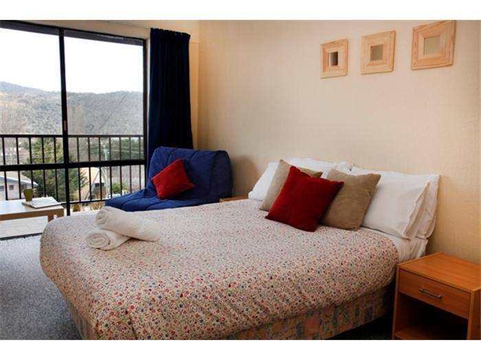 Balaton 4, Jindabyne - Bedroom