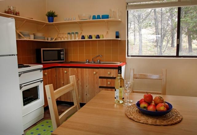 Balaton 4, Jindabyne - Kitchen
