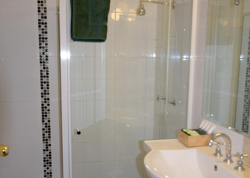 Deluxe Room Ensuite with walk in shower