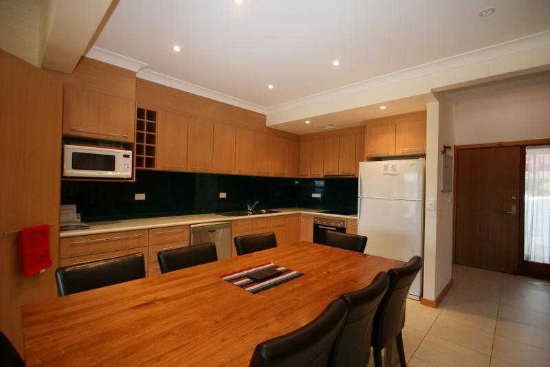Bellview 3, Jindabyne - Kitchen