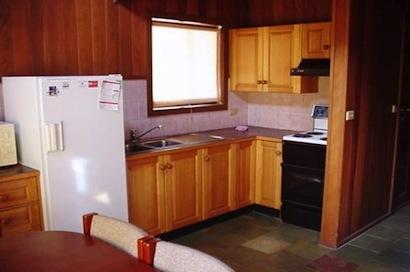 Cedar Haven, Jindabyne - Kitchen