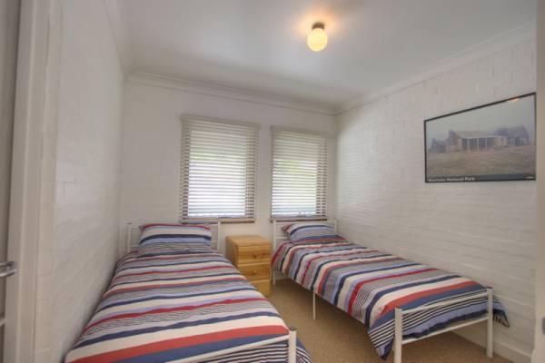 Dauphine 1, Jindabyne - Bedroom 2