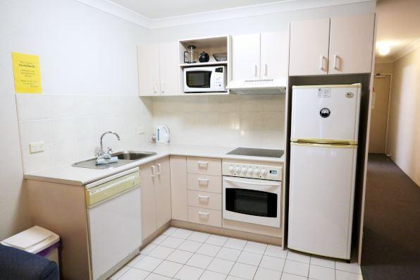 Horizons 408, Jindabyne - Kitchen