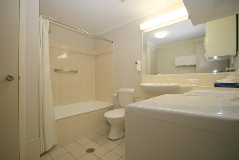 Horizons 417, Jindabyne - Bathroom