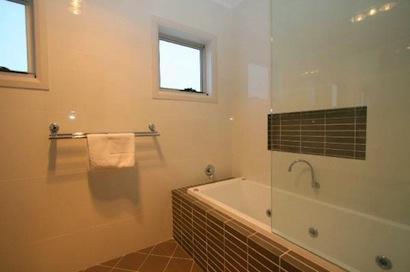 Opus 2, Jindabyne - Bathroom