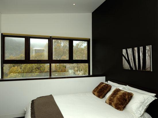 Parallel 2, Thredbo - Bedroom