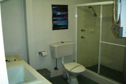Razorback 4, Jindabyne - Bathroom