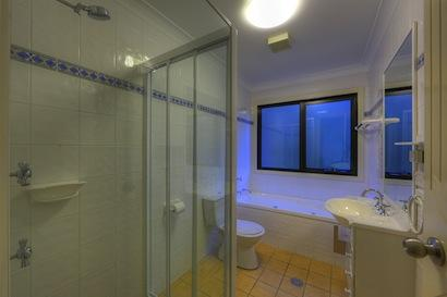 Snowcreek 5, Thredbo - Bathroom