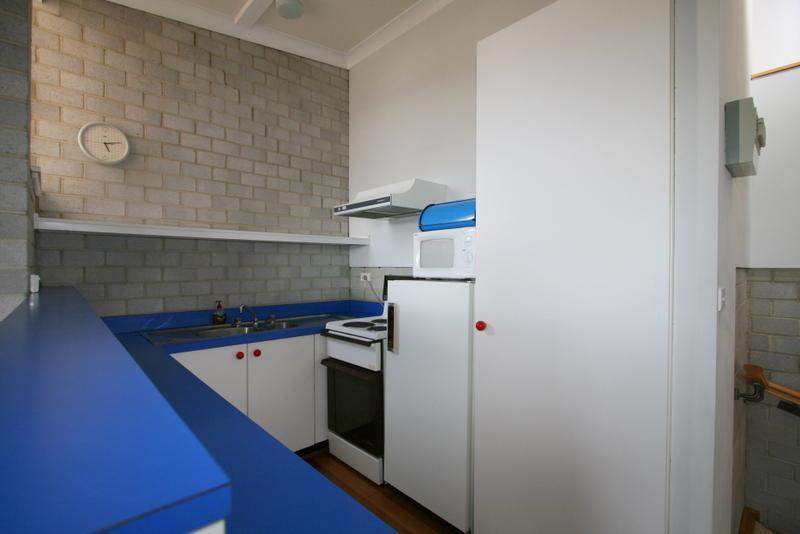 Tanderra 17, Jindabyne - Kitchen
