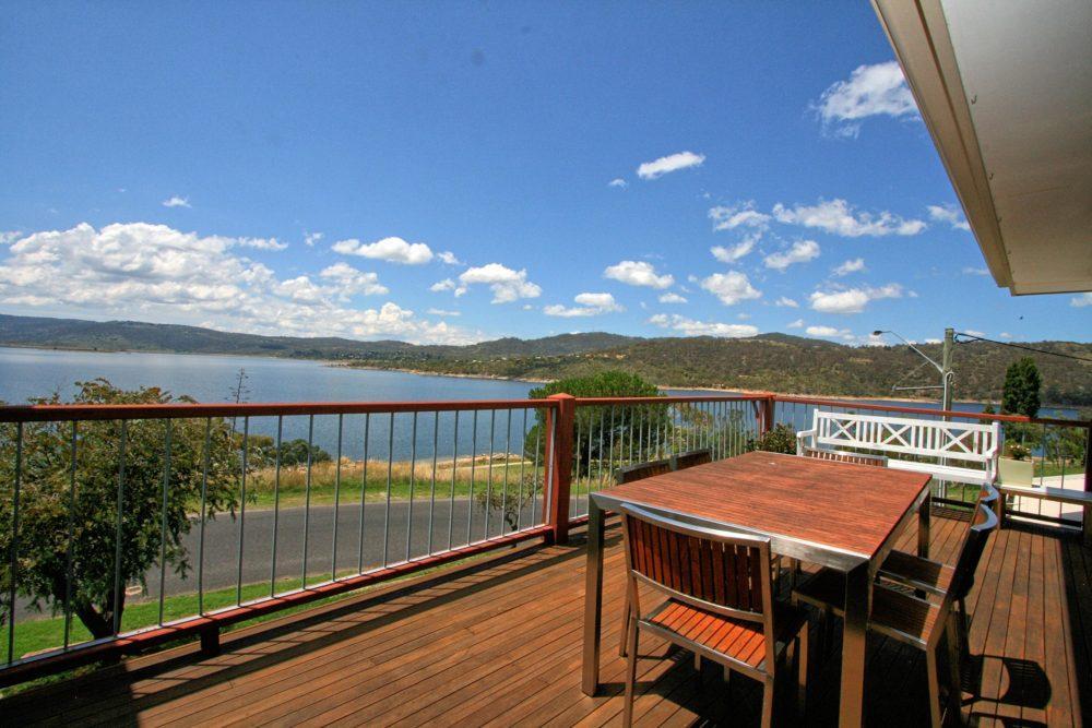 The View, Jindabyne - Deck