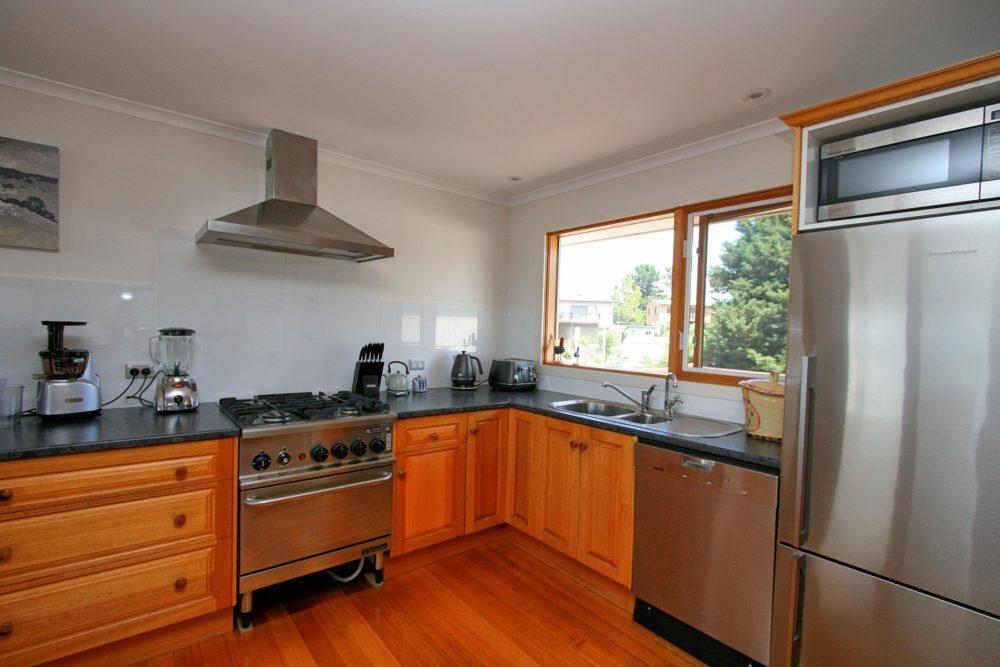 The View, Jindabyne - Kitchen