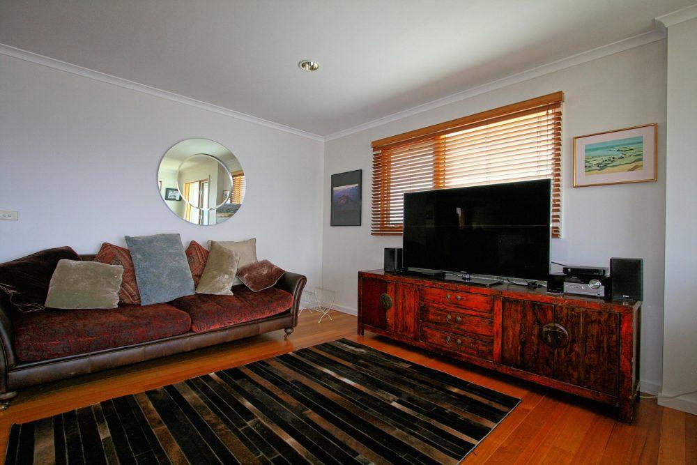 The View, Jindabyne - Lounge