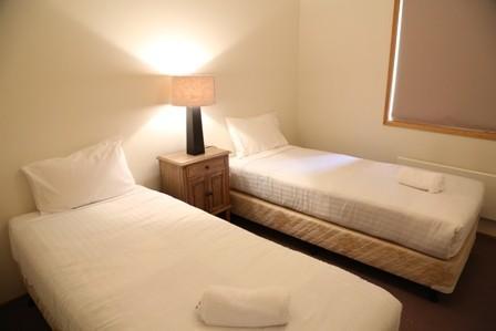 Whispering Pines 1, Jindabyne - Bedroom 2